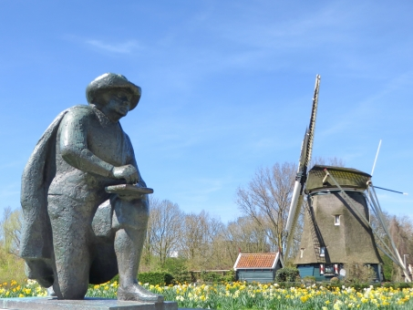 レンブラント 風車 オランダ アムステルダム 画家 花 青空 観光 観光地