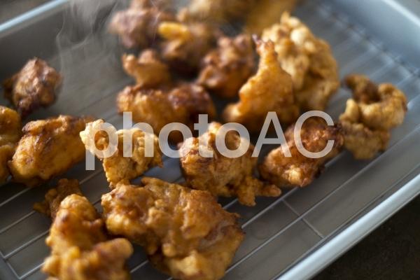鶏肉の唐揚げ作りの写真