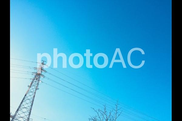 青空と鉄塔の写真