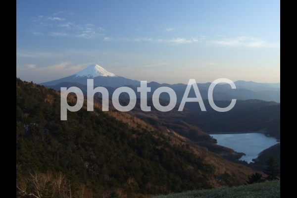 大菩薩峠からの富士山の写真