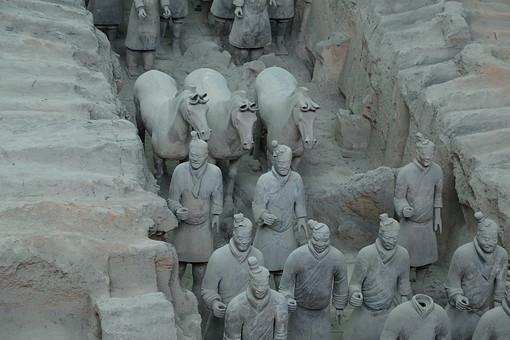 「秦始皇帝陵 フリー素材」の画像検索結果
