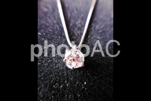ダイヤのネックレス4の写真
