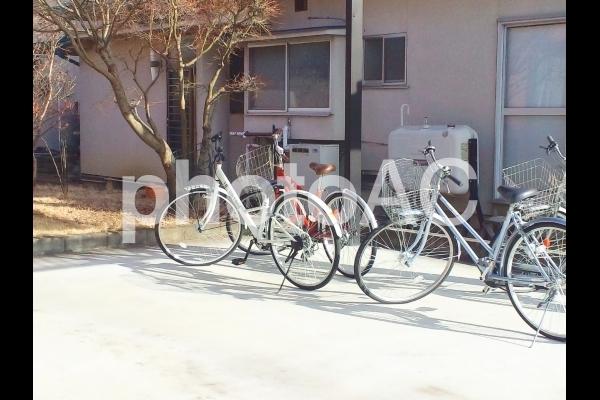 ある日の放課後・自転車のある風景の写真