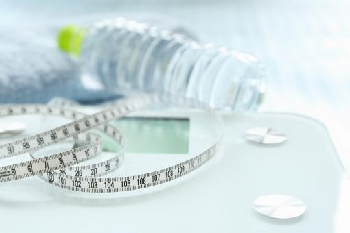 健康管理 健康 メンタルヘルス ヘルシー 朝 習慣 光 朝の光 爽やか 清々しい 体重 メタボ 運動 水 水分 水分補給 汗