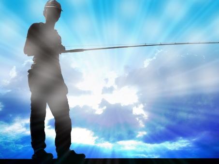 釣り 釣 釣人 釣り人 空 フィールド 空 光沢 光 反射 影 人物 釣竿 雲 海 背景 fishing フィッシング 男性 太陽 大漁 レジャー スポーツ sports シルエット 磯釣り 釣り背景