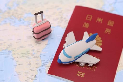 クレイアート お出かけ 旅行 旅 観光 レジャー 休暇  粘土 立体イラスト 飛行機 粘土細工 航空機 パスポート ジェット機 機体 旅客機 乗り物 模型 クラフト  かわいい 立体 地図 世界地図 map マップ  海外 外国 旅行バッグ キャリーバッグ