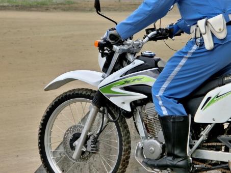 二輪車 バイク オートバイ 警察 POLICE