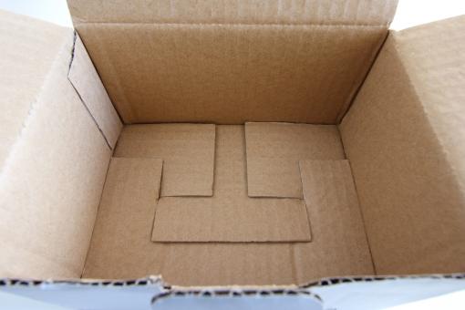 ダンボール 紙 箱 段ボール箱 梱包 保護 郵送 発送物 入れ物 空き箱 宅配便 四角 四角い箱 入れる 梱包物 背景 素材 背景素材 せどり 壁紙 ビジネス 無地 商品購入 開封レビュー 買い物 包む 組み立てる 資源ごみ 資源ゴミ 緩衝材