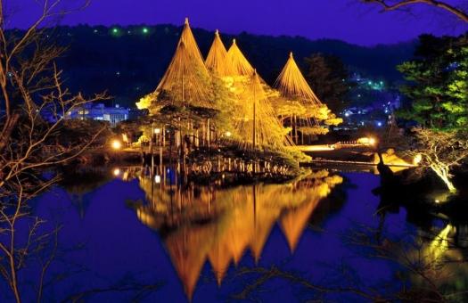 金沢 石川 兼六園 夜景 ライトアップ