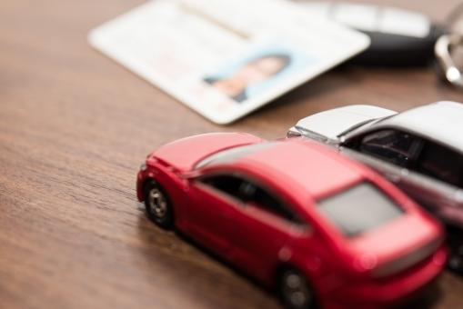 マイカー 免許証 家族 車 ライセンス ファミリー 自動車 セダン キーホルダー 保険 セカンド 鍵 購入 木目調 ドライブ 新車 ローン リア 中古車 駐車場 走る