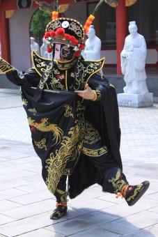 長崎 中国 民族衣装 踊り 舞い お面 変面 歴史 伝統 拳法