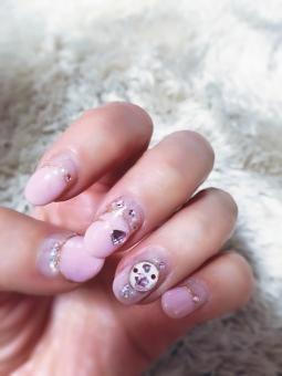 女性 ジェルネイル ネイル つめ 爪 ツメ 指 手 ゆび ピンク pink ハート バレンタイン 白バック コピースペース かわいい きれい パーツ