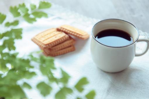 家カフェ ひとやすみ 一休み 休憩 一服 コーヒー お茶 コーヒーカップ まったり ビスケット お茶菓子 お茶請け ひとり おやつ 3時 10時