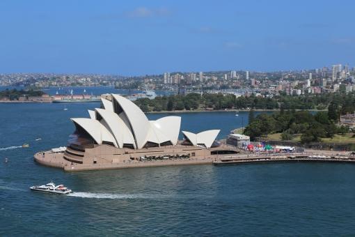 オペラ ハウス オペラハウス シドニー オーストラリア ハーバー 船 海 岸 世界遺産 街並み 水 海外 外国 建築 建物 世界遺産 観光 名所 旅行 旅 夏 青空 空 白 町並み ボート ヨット