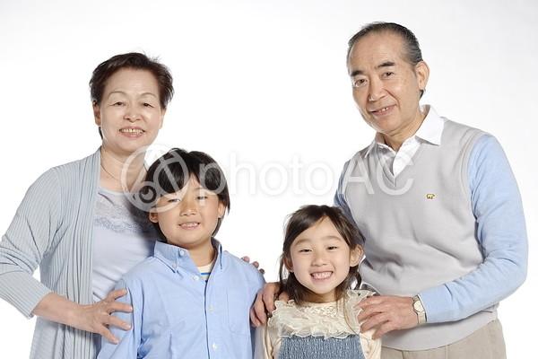 祖父母と孫14の写真