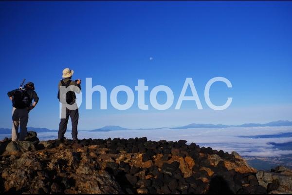 頂きからの景色を求めての写真