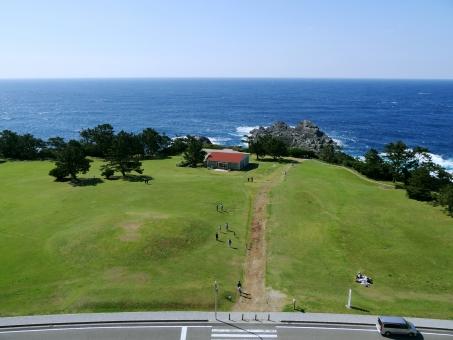 地平線 水平線 キャンプ 草原 晴れ 原っぱ 青空 太陽 家族 レジャー 観光 潮岬 最南端 雲一つない 緑 自然
