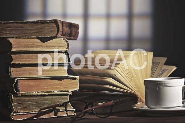 机上の本1の写真