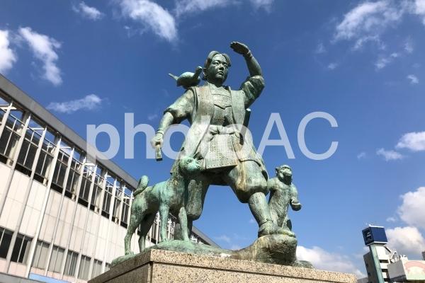 桃太郎像の写真