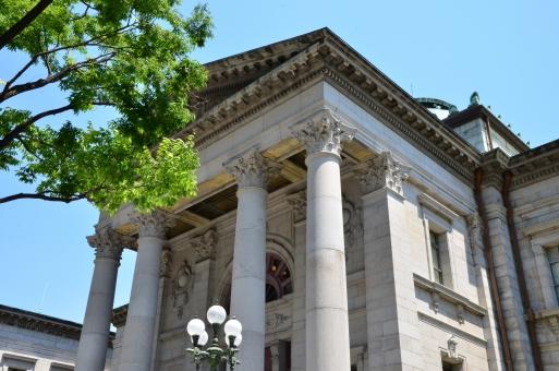 大阪市 北区 中之島 図書館 建造物 洋風建築 歴史的建造物 ネオ・バロック様式 レトロ アンティーク 重要文化財 公共施設 貫禄 風格 中央ホール 内装 階段