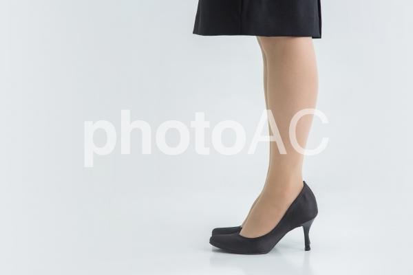 【切抜PSD】ビジネスウーマンの脚の写真