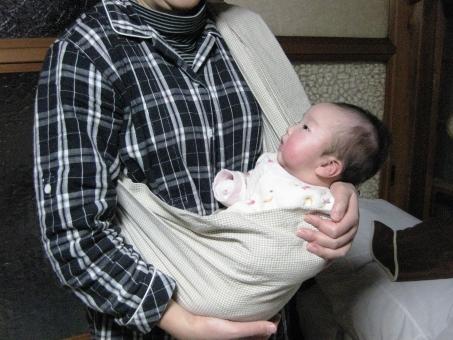 赤ちゃん あかちゃん 赤ん坊 baby ベビー ベイビー 新生児 スリング 抱っこ お母さん おかあさん ママ だっこ 育児 ベビースリング 乳児 乳幼児 抱っこ紐 抱っこひも リングスリング 0才 0歳 2ヶ月 2カ月 女の子 子ども 子供 kids お出かけ マザー