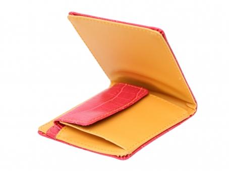 財布 お財布 さいふ サイフ レザー 革 カラフル 黄色 雑貨 小物 アップ クローズアップ 二つ折り 折り目 折る 革製品 皮 白 背景 白背景 白バック スタジオ撮影 一つ 1つ お金 現金 札 お札 お札入れ 札入れ 紙幣 小銭入れ カード カード入れ クレジットカード 余白 コピースペース 質感 テクスチャ 無人 新しい 閉じた 閉じる 赤 赤色