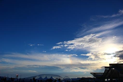 地球にやさしい 夏フェス 白いテント テント 青空 夏 フェス 清々しい 野外フェス 野外 夏の風景 風景 景色 眺め 大地 音楽フェス 青い空 野外ライヴ 風物詩 夏の空 真夏 暑い夏 サマーフェス フェスティバル 夏空 音 澄んだ青 ステージ 野外ステージ 真っ青 快晴 フェスの空
