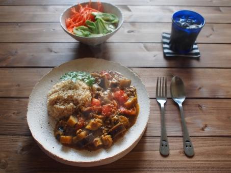 カレー すぱいす スパイス 漢方 コリアンダー ターメリック うこん クミン カイエンペッパー spice curry homemade サラダ アボカド 玄米 なす とまと tomato eggplant カフェごはん カフェめし cafelunch
