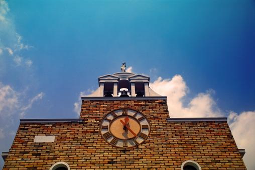東京都 目黒区 自由が丘 時計台 青空 雲 風景