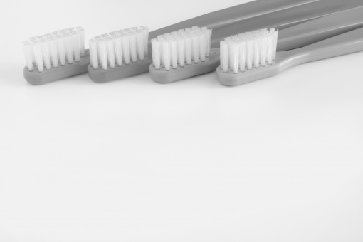 歯ブラシ 歯医者 歯科検診 定期健診 ムシバ 虫歯 歯石 歯垢 歯槽膿漏 歯痛 歯磨き 歯茎 背景 素材 背景素材 壁紙 イメージ 台紙 コピースペース 下地 バックグラウンド 余白 ホワイトスペース 治療 麻酔 抜歯 歯間 ブラッシング toothbrush TOOTH