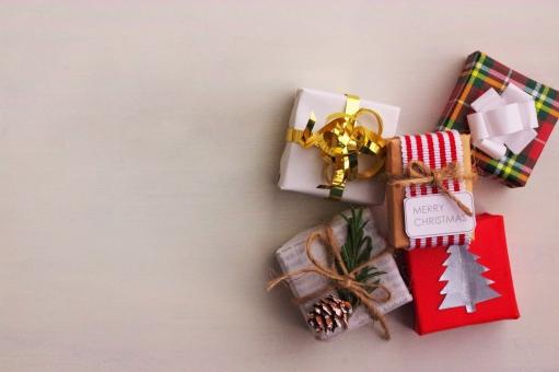 プレゼント ギフト 贈り物 白 背景 ラッピング クリスマス イベント バックグラウンド 季節 クリスマスプレゼント ギフトボックス 年中行事 クリスマスパーティー クリスマス会 プレゼント交換 クリスマスギフト