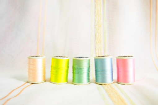 糸 ミシン糸 糸巻き 手芸 手芸用品 裁縫 シルク ハンドメイド 手作り 材料 素材 カラフル パステルカラー 雑貨 ソーイング