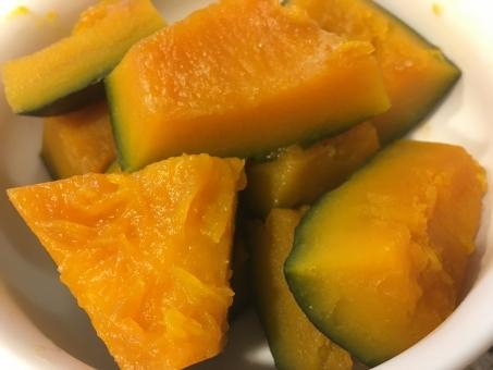カボチャ かぼちゃ かぼちゃの煮物 カボチャの煮物 煮物 野菜 やさい 健康 和食 おかず 食べ物 副菜 惣菜 オレンジ オレンジ色 ハロウィン パンプキン
