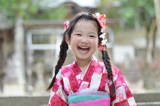 浴衣 女の子 笑う 笑顔 こども 子ども 子供 楽しい 夏 夏祭り 日本 yukata mdfk023