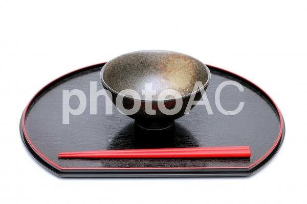 お茶椀 お箸 お盆の写真