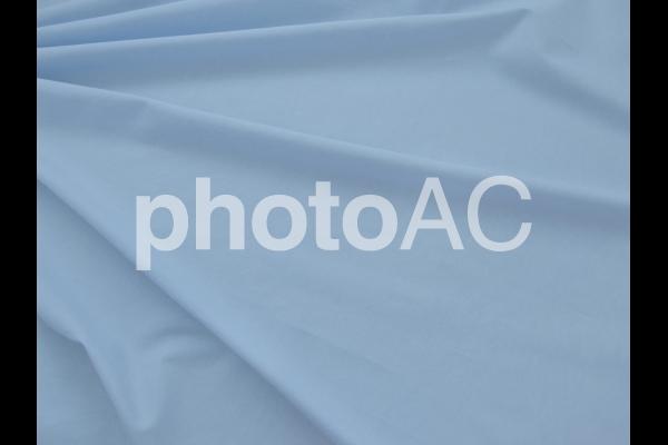 水色の布のドレープ 2の写真