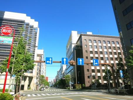 東京 tokyo 16 kanda 会社 都会 ビジネス オフィス 学校 広告代理店 高層ビル マンション 青空 休日 神田錦町