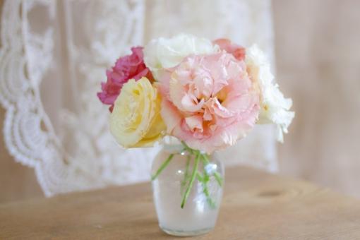 トルコ桔梗 花 パステルカラー 柔和 柔らか ソフト 花瓶 花びん 癒し インテリア 植物 ウエディング ブーケ フラワーアアレンジメント 花束 リンドウ ウエディングブーケ 希望 思いやり 優美 花言葉 グリーティングカード アンティーク