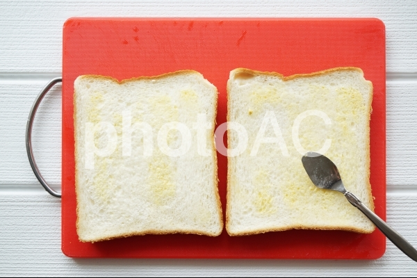 サンドイッチづくりの写真