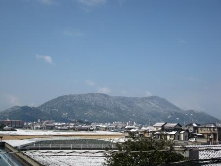 自然 風景 山 空 冬 雪 大麻山 善通寺 香川県