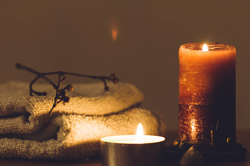 炎 ファイア 火 焔 Flame キャンドル 蝋燭 ろうそく candle 灯 灯火 ともしび 明るい 光 癒し ヒーリング リラクゼーション Healing キレイ 綺麗 きれい ロマンチック ドラマティック romantic ロマンティック タオル 小枝 フェイスタオル バスタオル アロマキャンドル