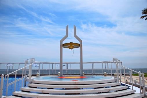 神奈川県 逗子市 マリーナ 鐘 チャペル 海 プール 風景