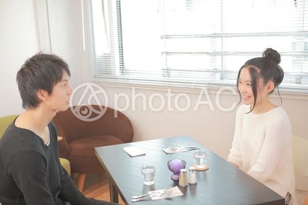カフェでデート2の写真