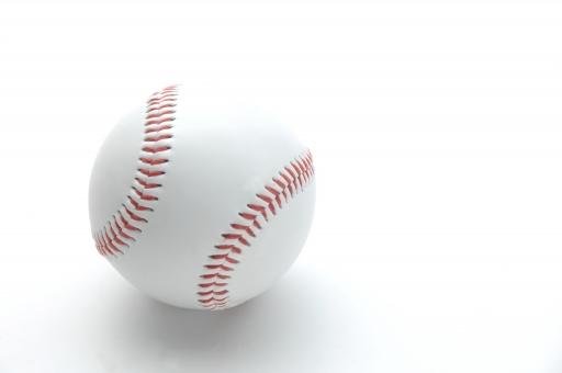 野球 野球ボール ボール ベースボール スタジアム ホームラン ヒット 甲子園 メジャーリーグ 夏 球児 スポーツ レジャー 社会人野球 青春 部活 部活動 野球部 白バック 白背景 コピースペース テキストスペース 余白