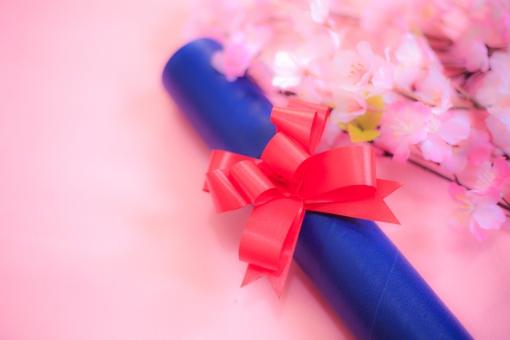 卒業式 卒業 春 日本 桜 ピンク リボン かわいい 小学校 中学校 高校 大学 小学生 中学生 高校生 大学生 卒業証書 スペース 花びら 青 筒 男 女 きれい ふんわり ほんわり