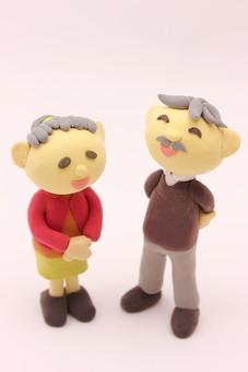 クレイ クレイアート クレイドール ねんど 粘土 クラフト 人形 アート 立体イラスト 粘土作品 人物 笑顔 老夫婦 老人 夫婦 お爺ちゃん お婆ちゃん おじいちゃん おばあちゃん
