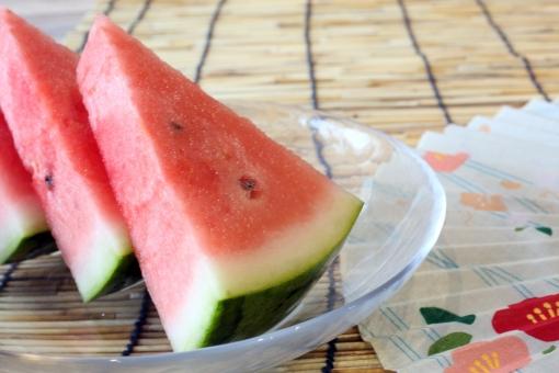 夏 西瓜 扇子 すだれ 真夏 スイカ 和 食べ物 すいか フルーツ 簾 果物 和風 扇 日本 涼しい スダレ センス 果実 フレッシュ 冷たい 和風イメージ 赤色