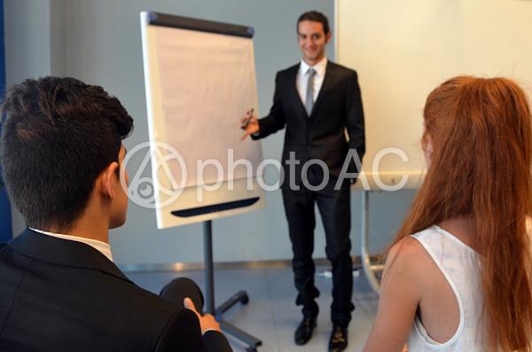 外国 プレゼンテーションの様子29の写真