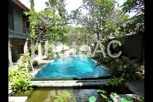 バリ島 南国プールの写真